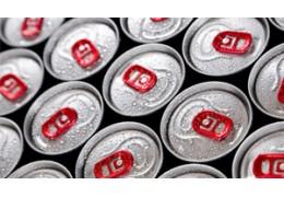 Çfarë rrezikoni kur konsumoni shumë pije energjike?